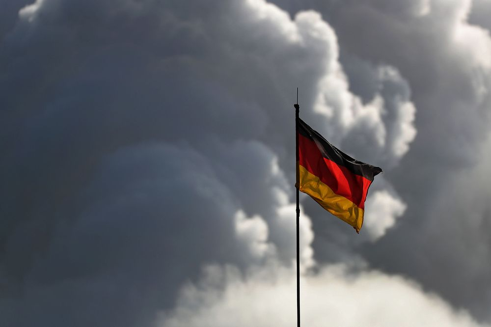 ZSchneeweiss: Germany's economic recovery is only in early stages, the government says  via @raymondcolitt https…